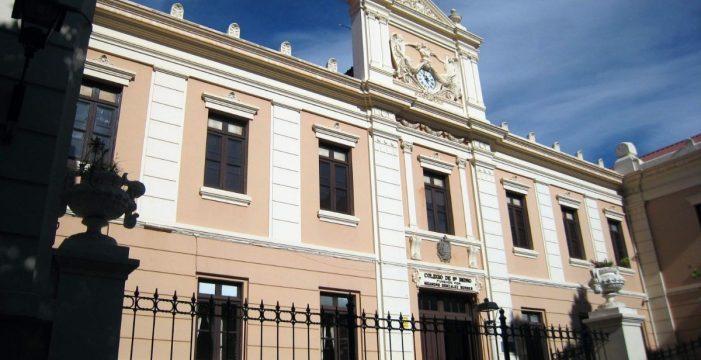 Un acceso independiente al colegio retrasa la apertura de la piscina de Los Salesianos de La Orotava
