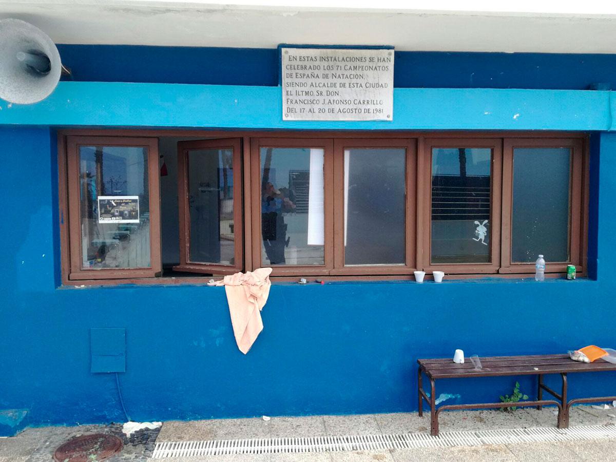 El vandalismo se hace fuerte en las piscinas municipales for Piscina municipal puerto de la cruz