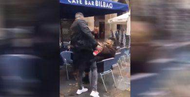 Lamentable agresión de un ultra del Betis a un joven en Bilbao