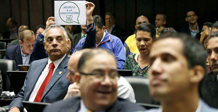 La Asamblea Nacional de Venezuela debate la destitución de los magistrados del Supremo