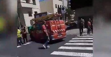 Evacuan el edificio El Cabo ante la aparición de un producto tóxico que afectó a los trabajadores