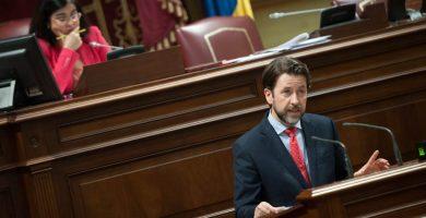 Alonso desea a Rajoy que sufra las colas en su próxima visita a Tenerife