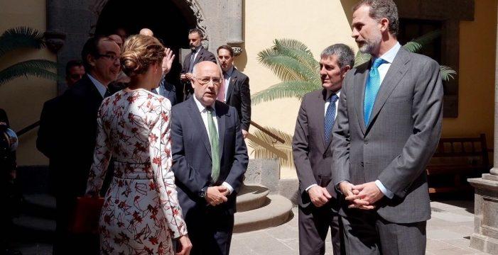 """El Rey señala que la Plataforma Oceánica de Canarias es un """"buen ejemplo"""" de desarrollo"""