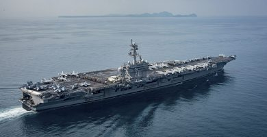 Grupo naval de combate liderado por el portaaeronaves de la Marina estadounidense 'Carl Vinson'. REUTERS