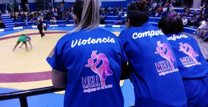 La selección de Las Palmas supera a Tenerife en la luchada de la Mujer
