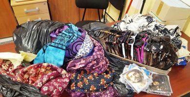 Retiran 80 kilos de mercancía en una operación contra la venta ambulante en Arona