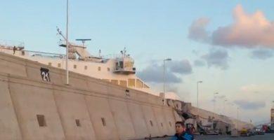 Un ferry colisiona contra el muelle Nelson Mandela, Gran Canaria