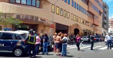 Evacúan a numerosas personas del edificio El Cabo por un gas irritante