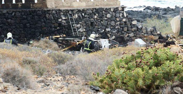 Incendian dos caravanas en el Puertito de Armeñime, Adeje