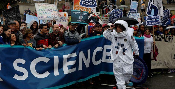 Marcha histórica en defensa de la ciencia a nivel mundial