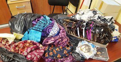 Retiran más de 80 kilos de mercancía en una operación contra la venta ambulante en Arona