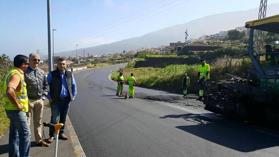Los representantes municipales visitaron las obras de la TF-324. DA