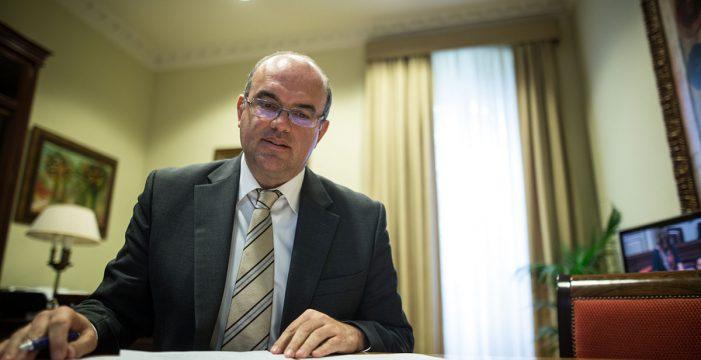 Sin tregua en la batalla electoral por el poder en los 14 ayuntamientos y el Cabildo palmero