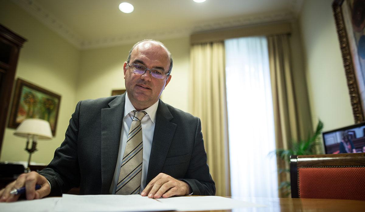 """El presidente del Cabildo de La Palma, Anselmo Pestana, no asistió a la firma del manifiesto en defensa de la triple paridad por """"problemas de agenda"""". Andrés Gutiérrez"""