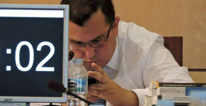 El secretario pide en un informe el cierre de la radio municipal de Candelaria