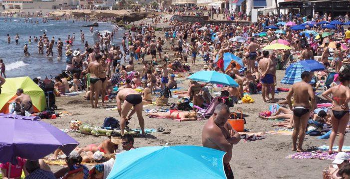 Reabren la playa de El Médano tras cerrarla por la bacteria E.Coli
