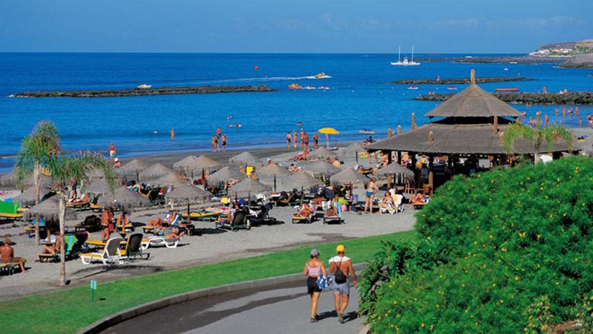 Imagen de archivo de una playa del Sur de Tenerife. DA