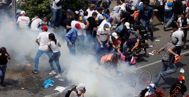 El Cabildo de Tenerife solicitará ayudas para los canarios en Venezuela
