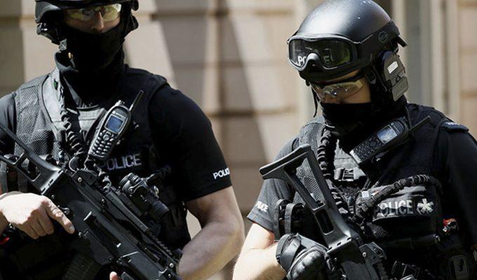 """Reino Unido eleva el nivel de alerta a """"crítico"""" y despliega al Ejército"""