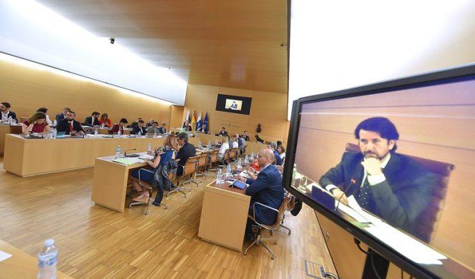 El Cabildo plantea a Puertos que desarrolle la playa de Valleseco