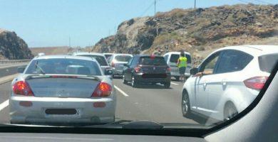 Dos accidentes consecutivos provocan retenciones en la autopista del Sur. @ TenerifeTráfico