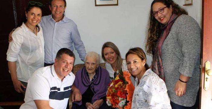 El Paso llora la pérdida de Doña Cleofé, la abuela del municipio