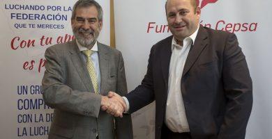 José Manuel Sabugo, director de Cepsa en Canarias, y Jeremías Hernández, presidente de la tinerfeña. DA