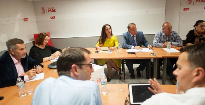Un sector de la gestora del PSOE de Canarias maniobra para convocar un congreso exprés