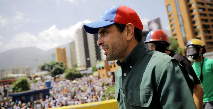 """Capriles dice que la protesta pacífica """"es la única lucha que va a dar frutos"""""""