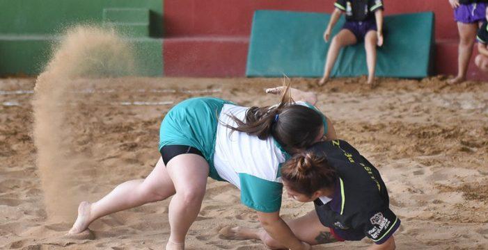 El Benchomo lidera la primera concentración de lucha femenina