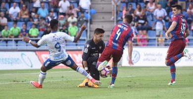 El Tenerife empata a cero con el Levante en un partido en el que mereció más