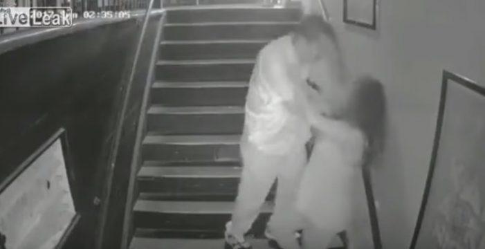 Intenta agredir sexualmente a una joven a la salida de un bar
