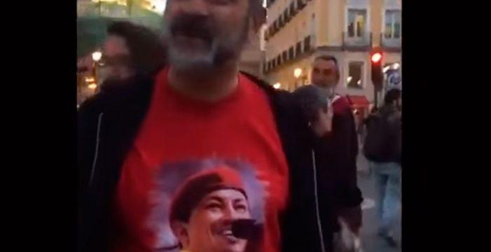 """Un chavista, a una opositora en Madrid: """"Qué pena que no te hayan matado a ti también"""""""