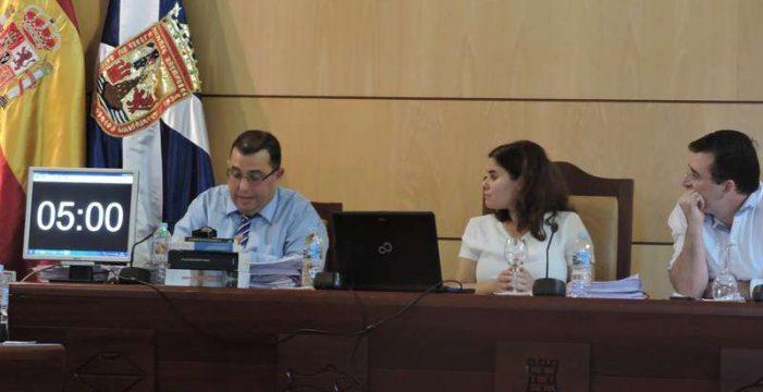 El secretario de Candelaria lleva a la Fiscalía facturas de la Concejalía de Fiestas