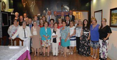 Parte de la gran familia del Club de Leones del Puerto de la Cruz, que este año celebra su 50 aniversario. DA