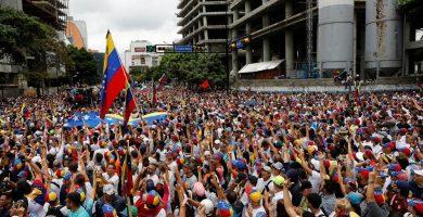 El chavismo prohíbe las manifestaciones