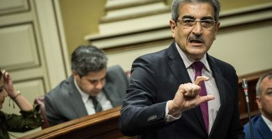 """Podemos y NC también cargan contra Baltar por """"ocultar"""" las listas de espera"""