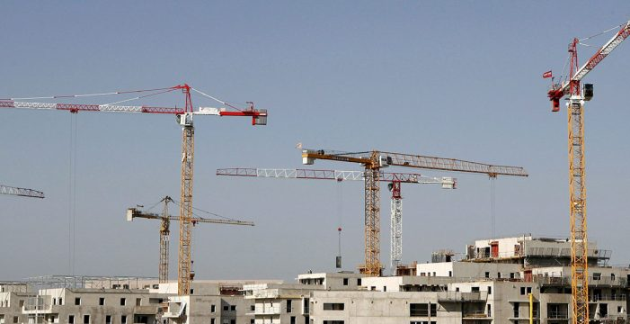 El Gobierno prepara un nuevo plan de vivienda sin pagar el anterior