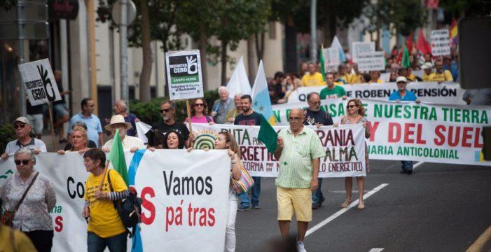 """La voz ciudadana exige """"pan, trabajo y techo"""""""