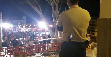 Agreden a un vigilante privado tras una reyerta en La Camella