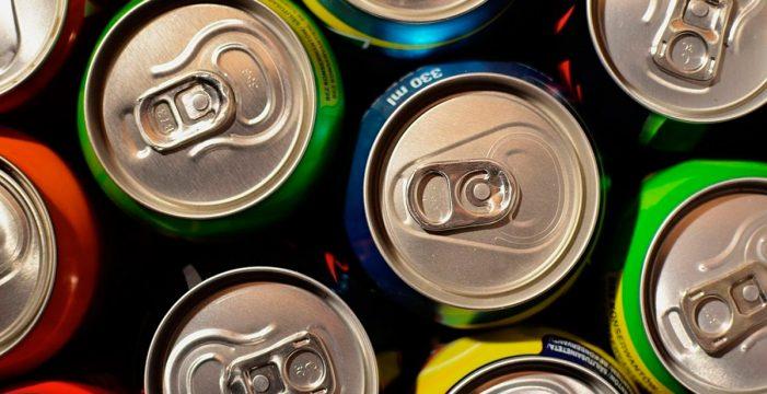 El anuncio de gravar las bebidas azucaradas en Canarias recibe las primeras críticas