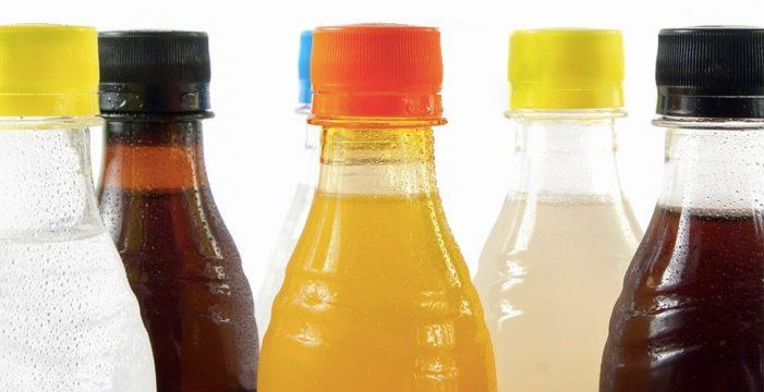 El Gobierno estudia subir los impuestos de las bebidas azucaradas