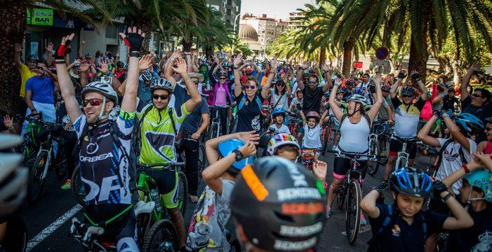 Las dos ruedas toman Santa Cruz con la 37ª edición de la Fiesta de la Bicicleta