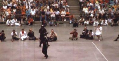 Bruce Lee durante una pelea con un discípulo | FOTO: YOUTUBE