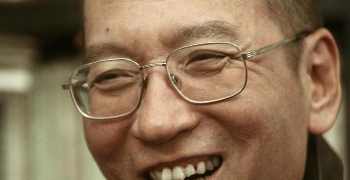 China libera al premio Nobel de la Paz Liu Xiaobo para que pueda recibir tratamiento médico
