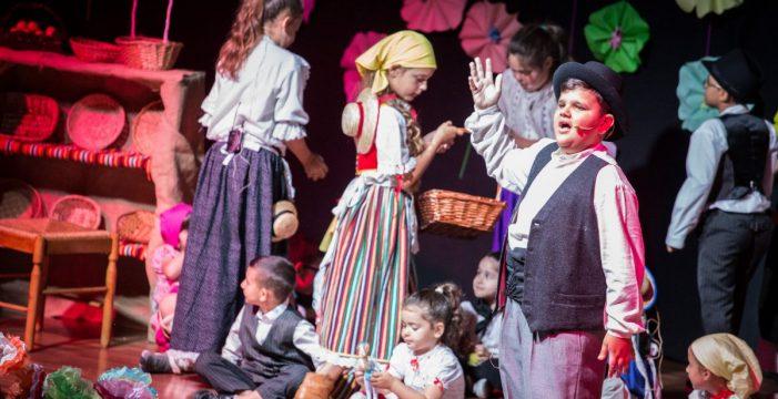 Alumnos de La Verdellada realizan una ópera para eliminar estereotipos