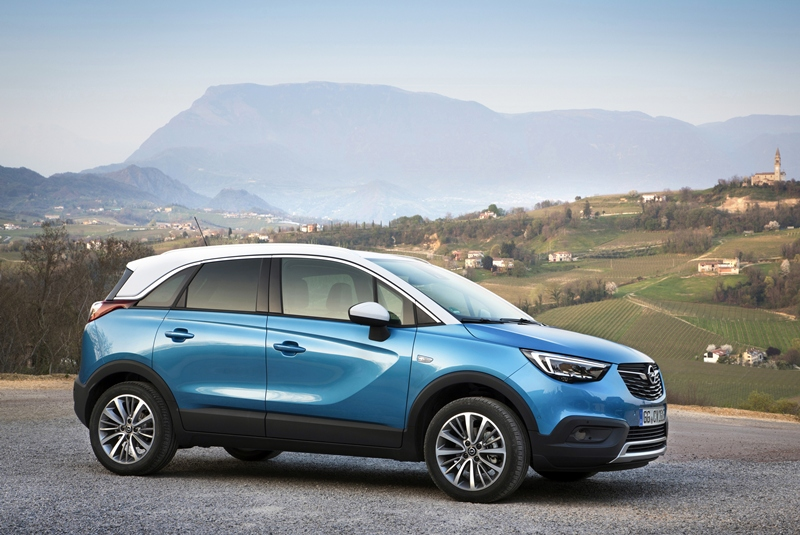 opel crossland x un elegante suv urbano. Black Bedroom Furniture Sets. Home Design Ideas