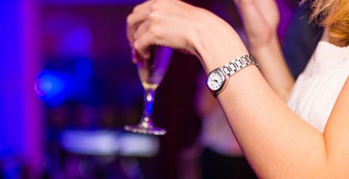 Aquí puedes consultar el horario de cierre de bares y restaurantes según el nivel de alerta