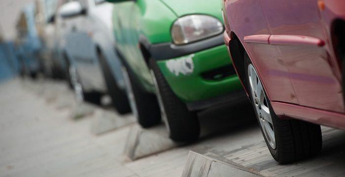 El Ayuntamiento retirará los bolardos de la calle Mequinez