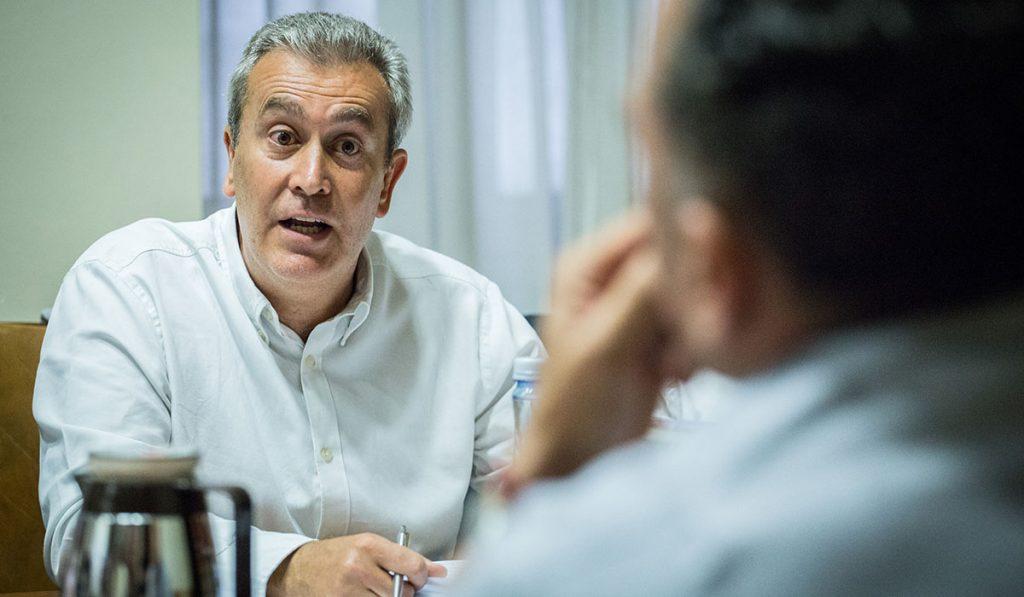 Óscar García, durante su intervención en una Comisión de Control